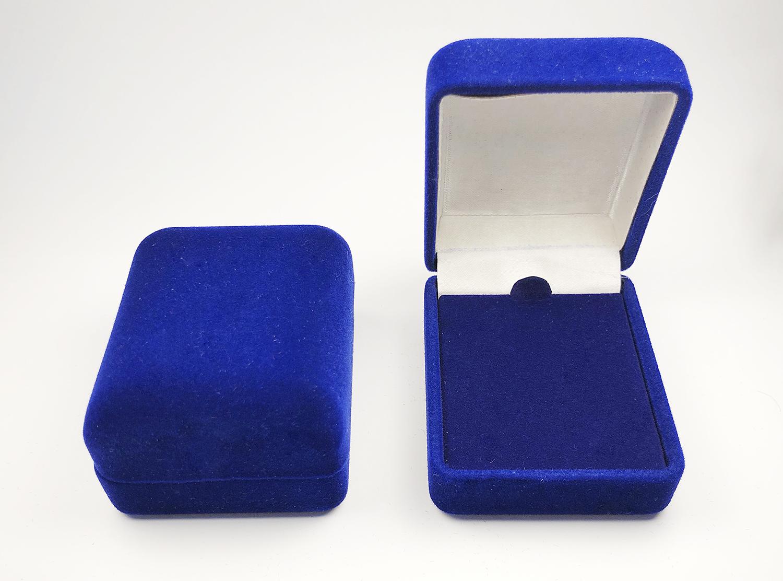 blue velvet boxes